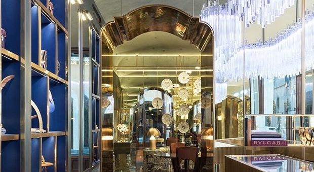 Roma, via Condotti: non solo shopping ma anche storia