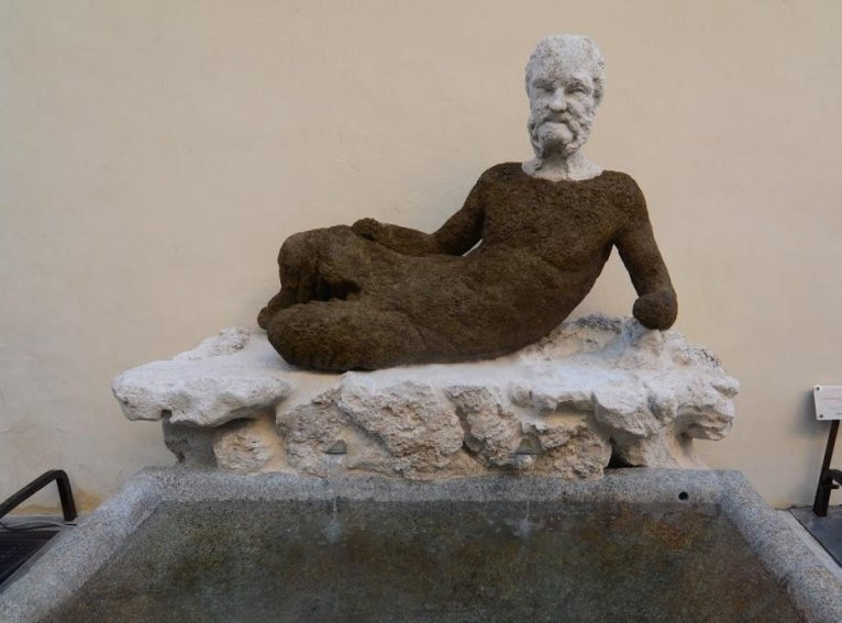 A pochi metri da Hotel Centrale Roma c'è la fontana del Babuino