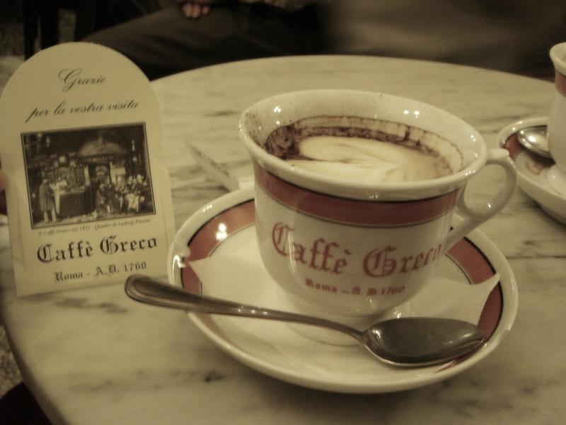 L'Antico Caffè Greco a Roma: un pezzo di storia che non vuole sparire